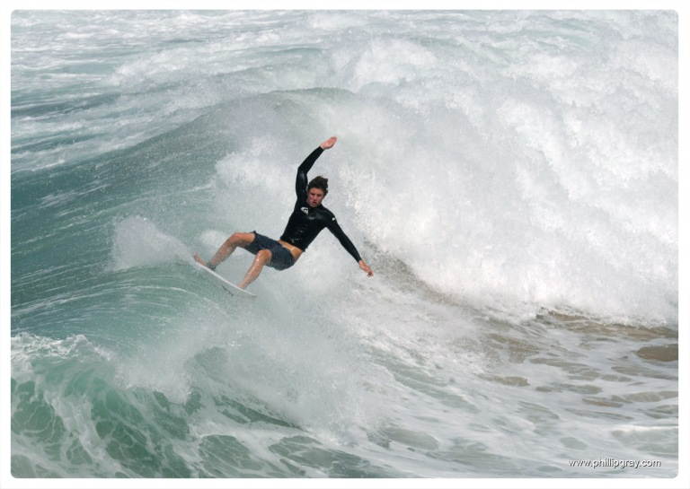 Sydney - Queenscliff Surfer1