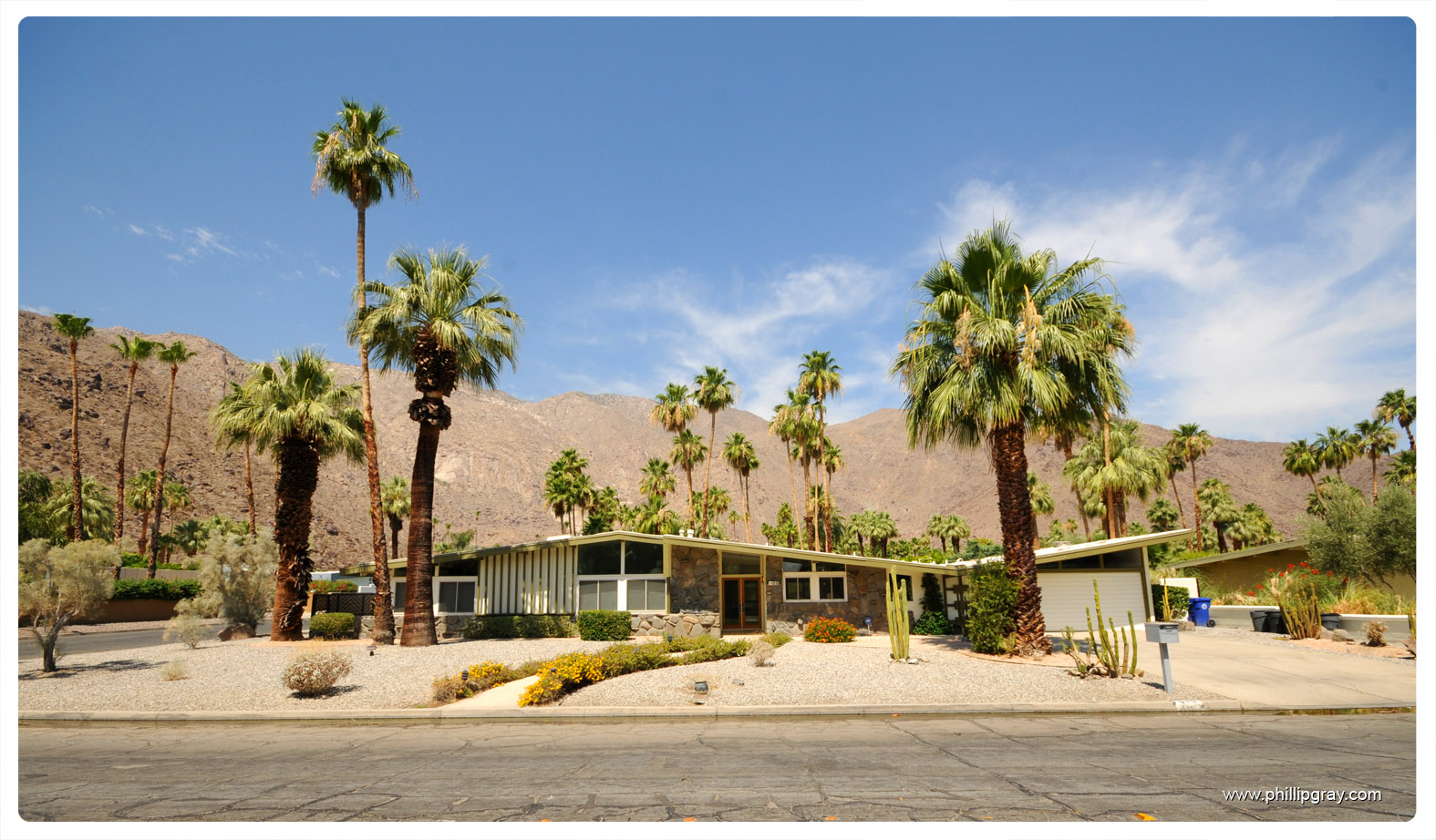 Houses in palm springs ca for Architecture 60s