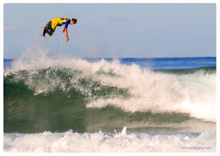 Sydney - Manly Surfer3